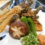 小魚料理 とみ助