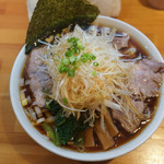 りきどう - 小平麺らぁめんチャーシュー+ネギトッピング