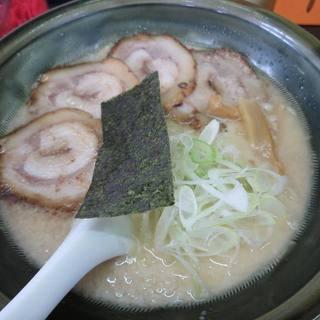 愛情一杯らーめんDaikokudo - 料理写真:とんこつとろけるチャーシューメンのみそ味¥860