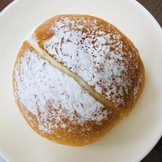 boulangerie montagne - 料理写真:北海道クリーム ¥170