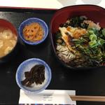 カフェ・ド・ジヴェルニー - 鯛炙り丼1000円です