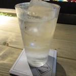 106965385 - ノンアルカクテル~ライム果汁を加えたトニックウォーター