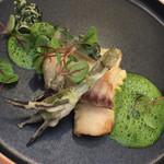 ジュー ドゥ マルシェ - ・太刀魚と山菜のフリット 天然のよもぎソース フレンチで太刀魚とはめずらしい。香ばしさがありました。 山菜の苦みとよくマッチしています。