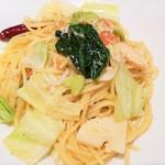ピッツェリア マルーモ - パスタb:春野菜の竹の子・春キャベツ・空豆・しらすのペペロンチーノ