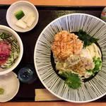 へんこつ - 料理写真:「桜エビ天おろしうどん(ミニまぐろどん付き)セット」@1360(税別)