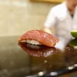 106969437 - [2019/04]寿司④ みなみまぐろの昆布締めの握り