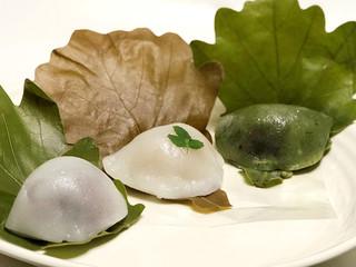 おやつaoi - こしあん/白味噌餡木の芽添え/蓬と粒あん