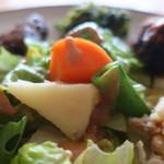 鎌倉オーガニックミール ムスビー - 野菜が好きになるサラダ
