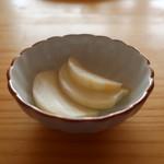 鎌倉オーガニックミール ムスビー - 蕪の漬物