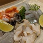 かまくら小花寿司 - アップ②(ツブ貝、生とり貝、赤貝、サヨリ)
