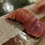 かまくら小花寿司 - 握り マグロ中トロ