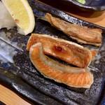 居酒屋 燔 - 紅鮭ハラス焼き