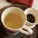 BUND CAFE - 冬季限定高山茶の阿里山(800円)です。