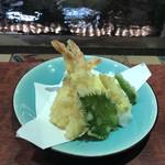 Ikesuhakataya - 天ぷら盛り合わせ@1000コレは相方お気に入り。
