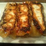刀削麺荘 唐家 - 餃子