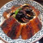 Seigetsu - 肝入り鰻丼のアップ