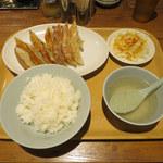 107012792 - W餃子定食(焼き・焼き)
