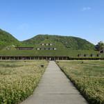 107018281 - 草屋根の素敵な建物