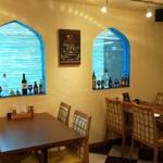 トルコ料理&地中海料理メッゼ - 窓側、エキゾチック