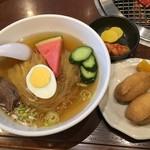 107024003 - 冷麺定食
