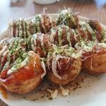たこ焼き屋 中角 - 料理写真:マヨとソース。これで250円!