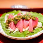 二条城ふる田 - 和歌山県の初鰹、けんけん鰹、 行者にんにくの醤油漬け