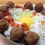 カラスマオイケ・カレー カリカリ - トッピングも男盛りながら味は普通…