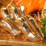 かみ風船 - 料理写真:キビナゴのお刺身