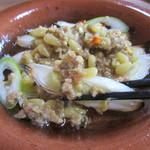 ソバイスバ いさと - 小鍋で鴨みそと葱を焼き付ける