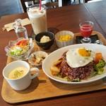 CARI cafe - ランチ「ロコモコごはん (1200円)」
