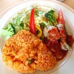 ジョイフル - 料理写真:グリルチキンのサラダプレート711円税込