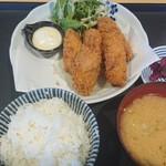 うみの駅 七のや - かきフライ定食