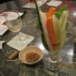 カラオケスタジオ 緑陰 - 料理写真:野菜スティック