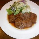 キッチン・カフェ なか - 料理写真:牛肉のペッパー焼き