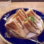 C+ シモガワラ - トーストサンド