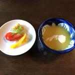 チャイハナ海花 - 前菜のピクルスとスープ