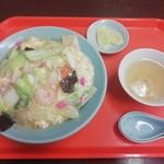 信時飯店 - 中華丼(650円)