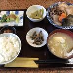 多菜田 - 煮物定食