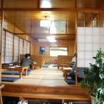鶏料理専門店 みやま本舗 - 小上がり席