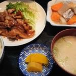 直寿司 - 生姜焼定食。ごはんがすすみ過ぎる味。