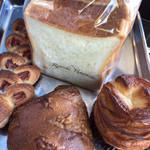 リョウイチヤマウチ - 食パンも。