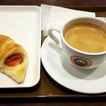 サンマルクカフェ - 日替わり焼き立てパンモーニングセット:313円