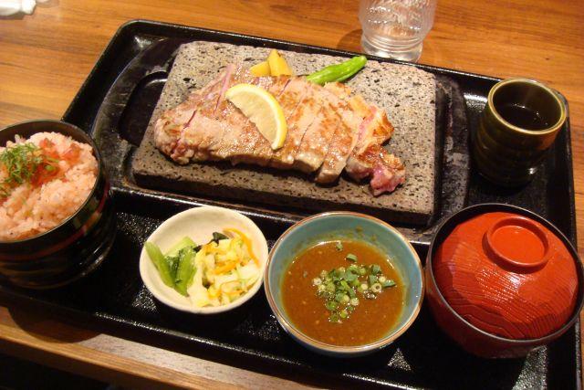 贅 福井飯塚店