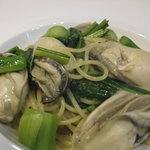 リストランテ ダ トシユキ - 料理写真:ぷっくり太った厚岸のかきのパスタ