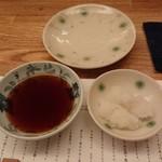 天ぷら新宿つな八 - 天つゆ、大根おろし
