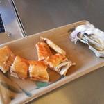 107103116 - サーモンハラス、殻付き牡蠣