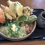 大地のうどん - 料理写真:野菜天ぶっかけ630円