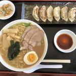 佳味居鉄鍋炖 - 料理写真: