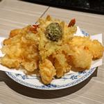 玄蕎麦 野中 - 魚介天盛合せ  車海老2本、ホタテ、烏賊、キス、穴子、蟹の爪、フキノトウ