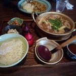 10712179 - 鶏と豚の味噌鍋定食